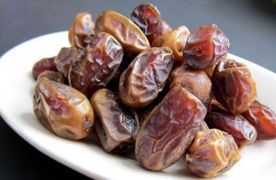 kenapa rasulullah menganjurkan makan kurma saat buka puasa
