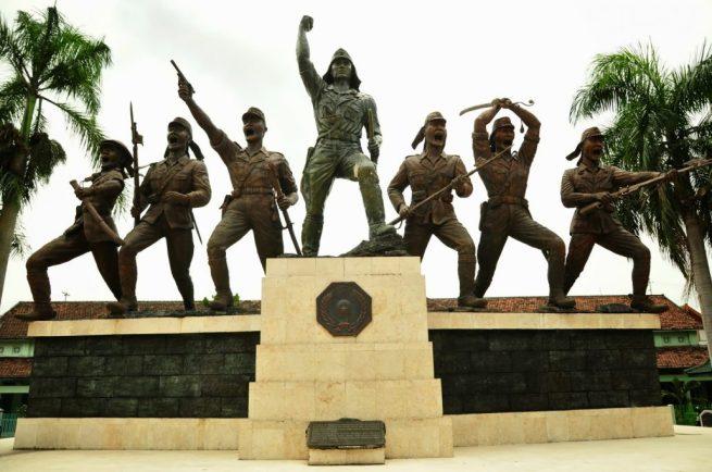 monumen-pemberontakan-peta-di-blitar-1030x684